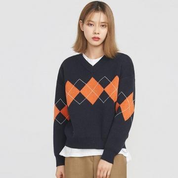 【新品】 AIN V領格紋冷織上衣 (韓國女裝)