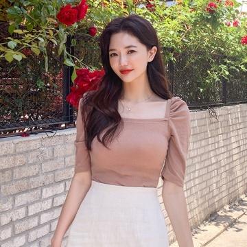 【新品】 CHUU 公主風淨色方領泡泡袖上衣 (韓國女裝)