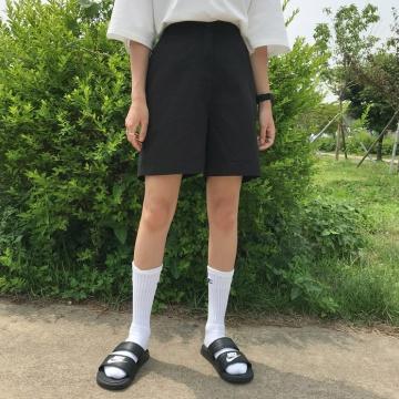 【新品】 MICHYEORA 淨色休閒短褲 (韓國女裝)